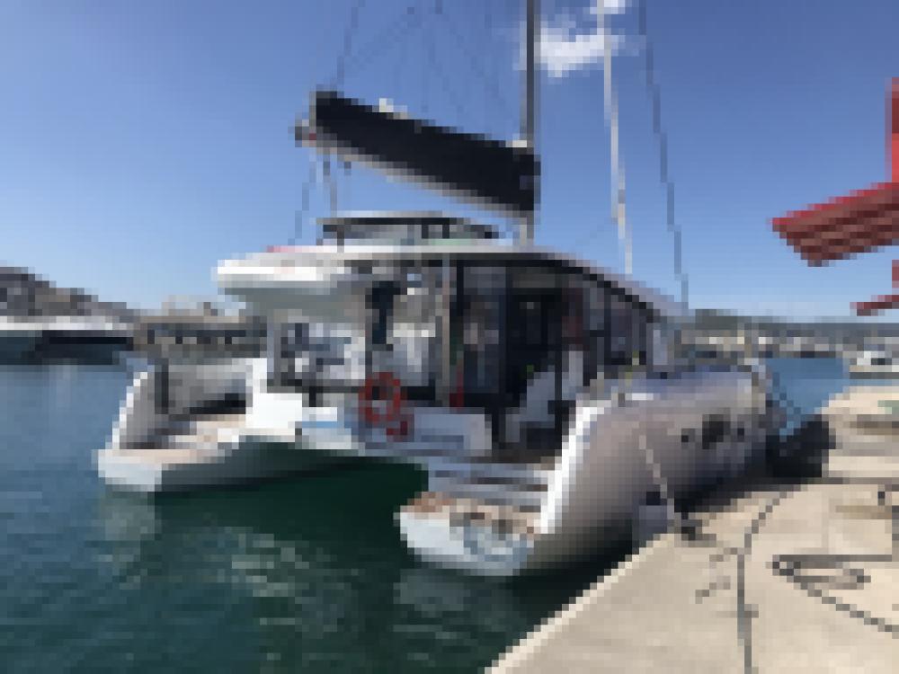 Rental yacht Capo d'Orlando - Lagoon Lagoon 42 on SamBoat