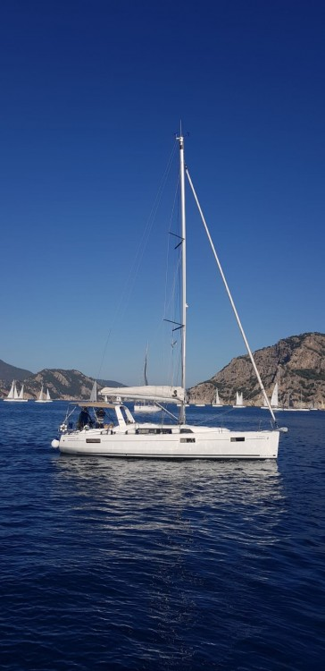 Boat rental Bénéteau Oceanis 41.1 in Muğla on Samboat