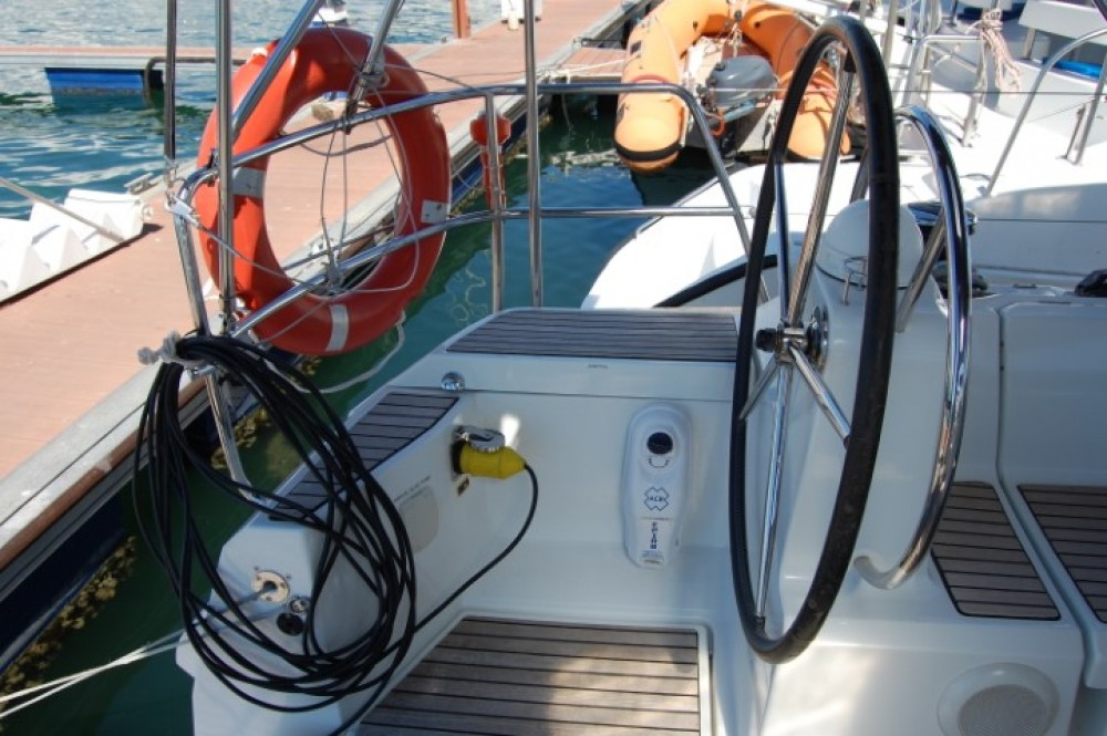 Hire Sailboat with or without skipper Jeanneau Cienfuegos