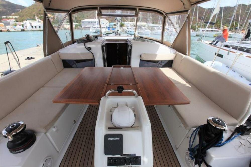 Rental Sailboat in Road Town - Jeanneau Sun Odyssey 44
