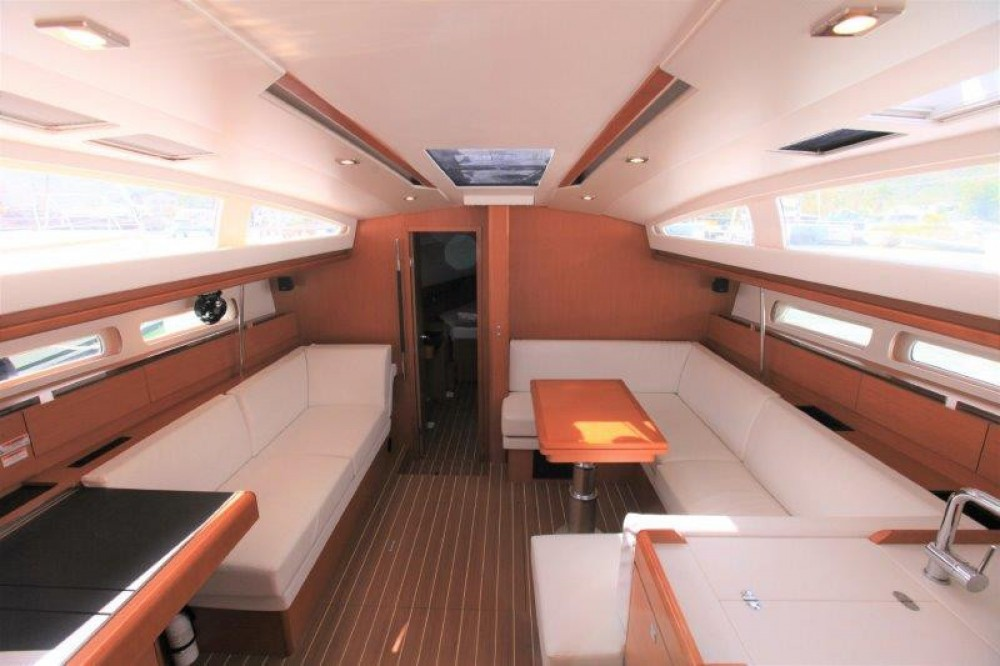 Rent a Jeanneau Sun Odyssey 44 Ds Road Town
