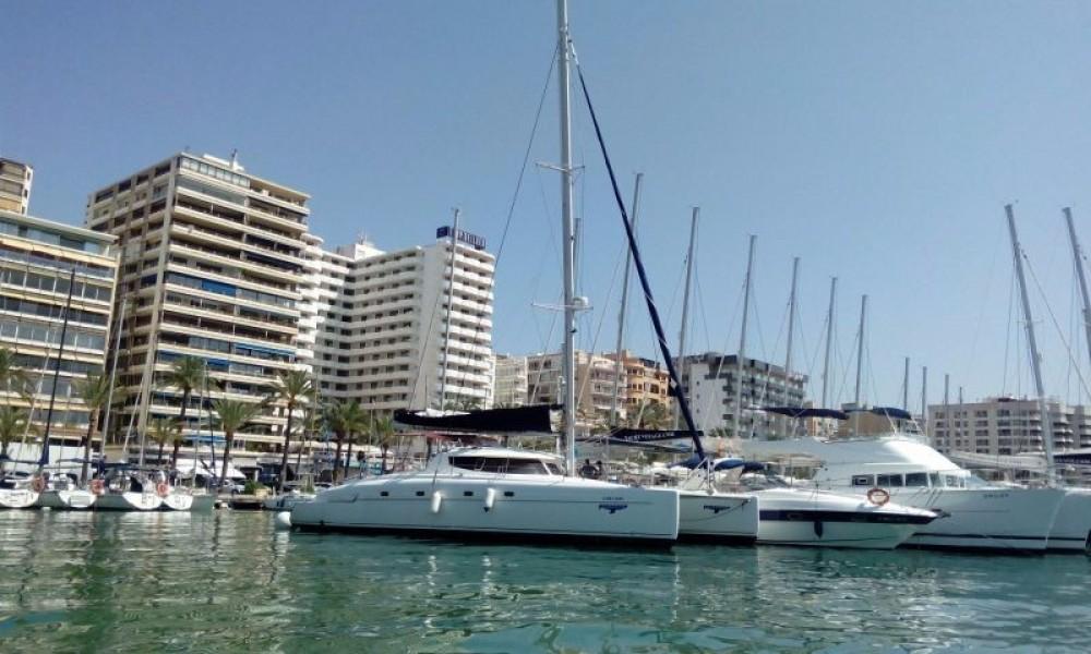 Rental Catamaran in El Rosario - Fountaine Pajot Bahia 46