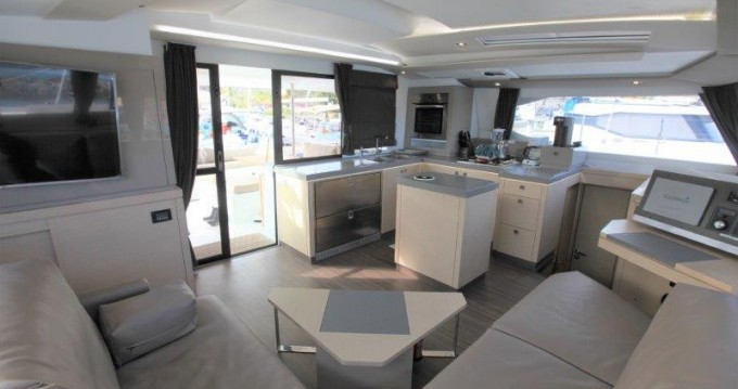 Rental yacht Tortola - Fountaine Pajot Saona 47 on SamBoat