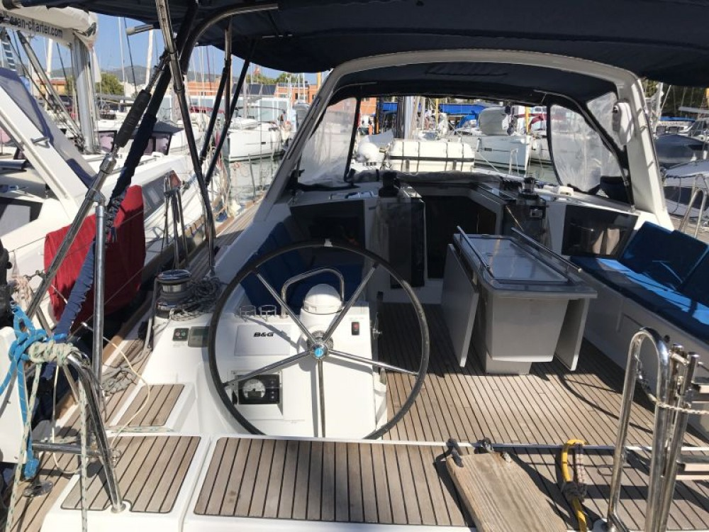 Rental Sailboat in Palma - Bénéteau Oceanis 45