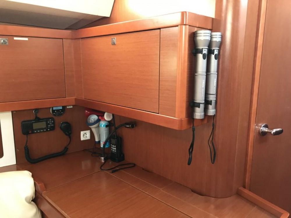 Boat rental Palma cheap Oceanis 45