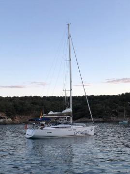 Rent a Jeanneau Sun Odyssey 419 Palma de Mallorca