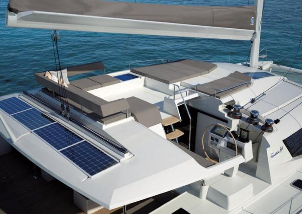 Rental Catamaran in Road Town - Fountaine Pajot Saba 50