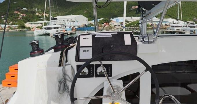 Boat rental Lagoon Lagoon 380 in Tortola on Samboat