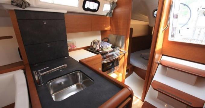 Boat rental Tortola cheap Sun Odyssey 349