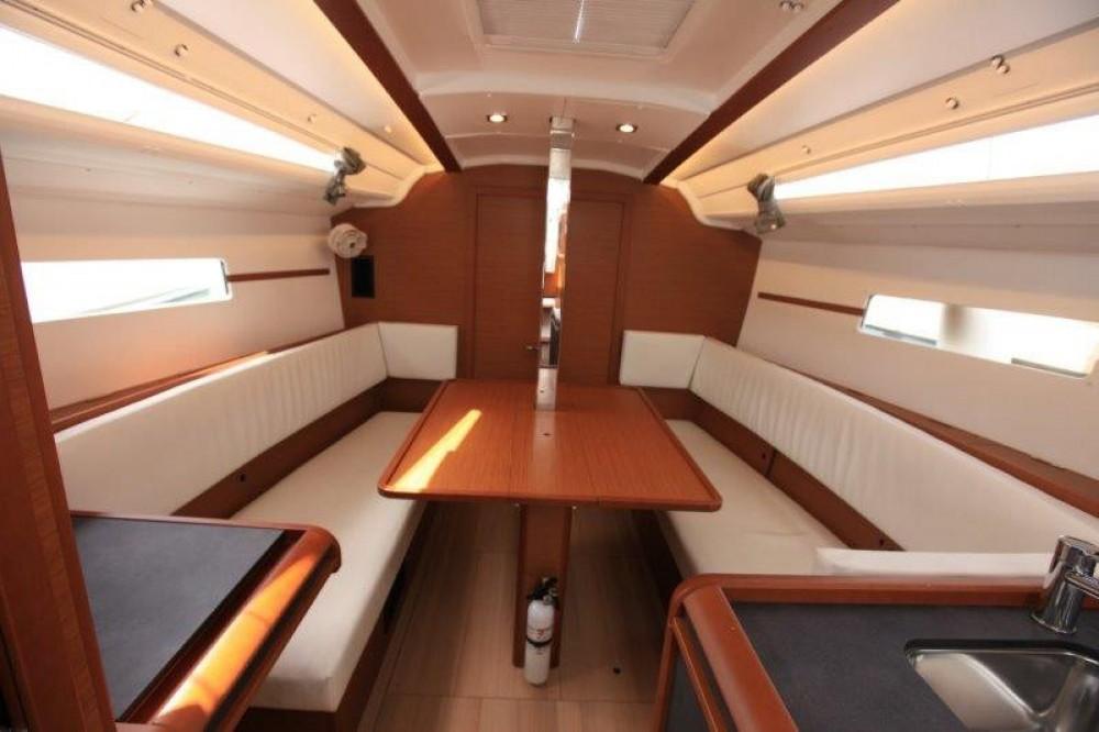 Rental yacht Road Town - Jeanneau Sun Odyssey 349 on SamBoat