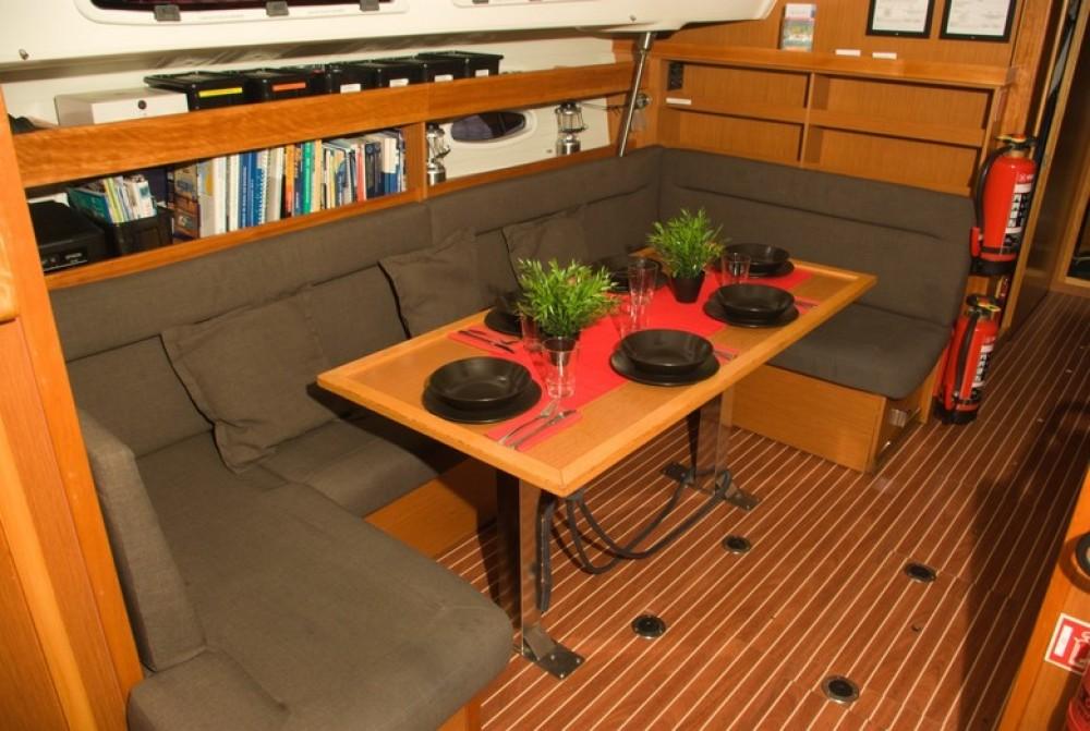 Boat rental Bavaria Bavaria 51 Cruiser in Canary Islands on Samboat