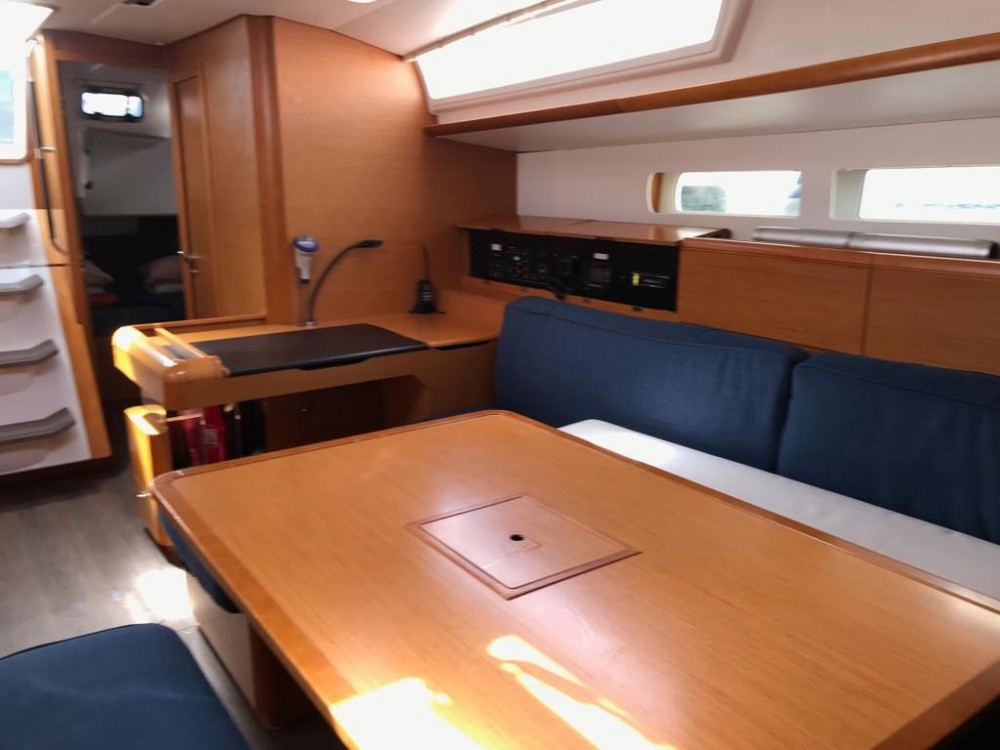 Boat rental Jeanneau Sun Odyssey 519 in  on Samboat