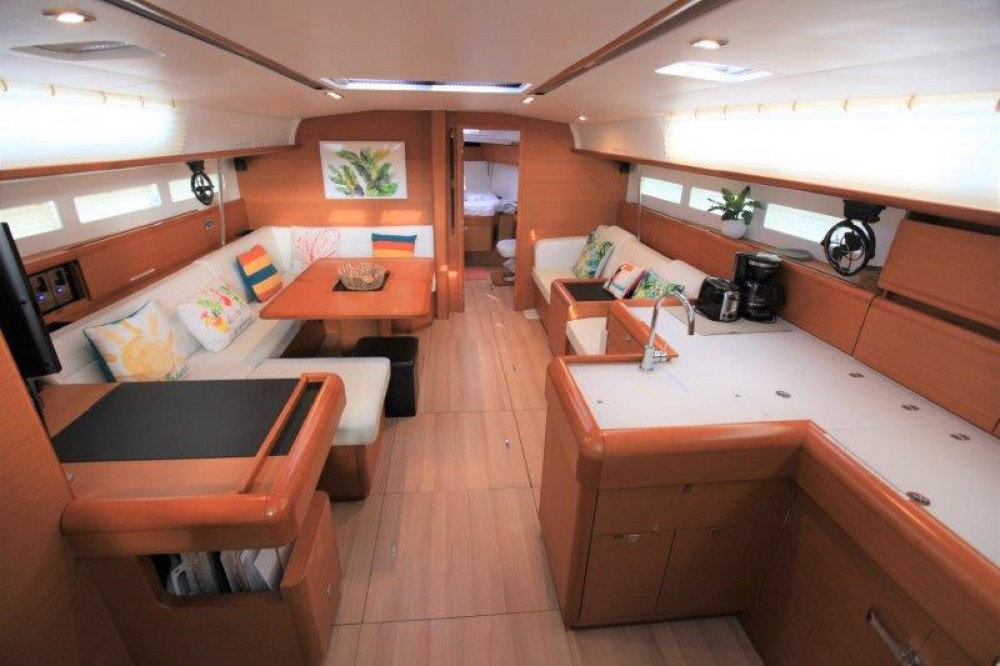 Jeanneau Sun Odyssey 509 between personal and professional Road Town