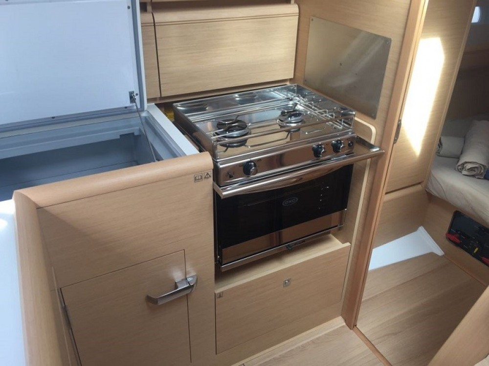 Jeanneau Sun Odyssey 389 between personal and professional Road Town