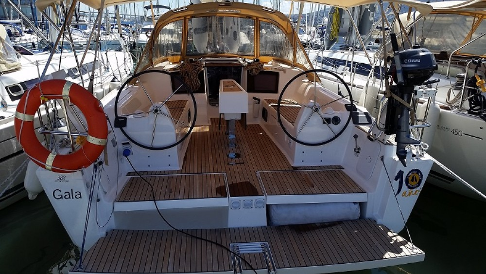 Boat rental Dufour Dufour 382 Grand Large in Road Town on Samboat