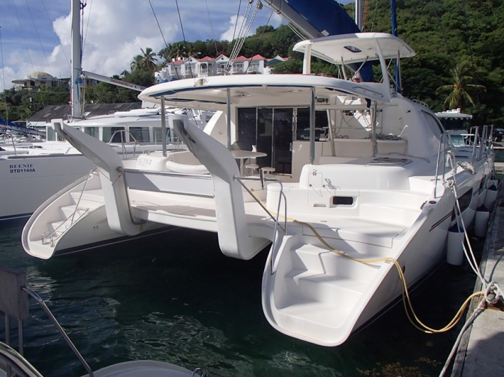 Boat rental Robertson-Caine Leopard 46 in Tortola on Samboat