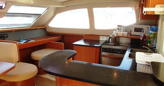 Boat rental Tortola cheap Leopard 46