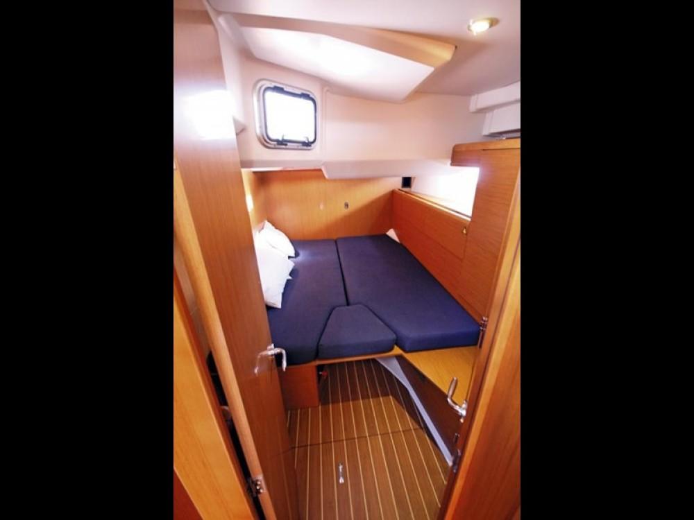Rental yacht Tortola - Jeanneau Jeanneau 53 on SamBoat