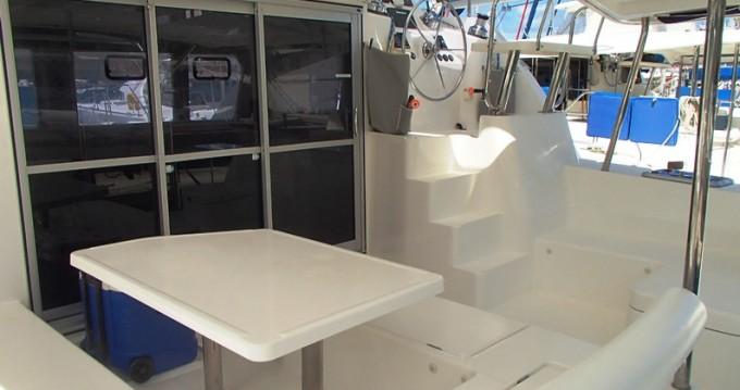 Rental yacht Tortola - Robertson and Caine Leopard 44 on SamBoat