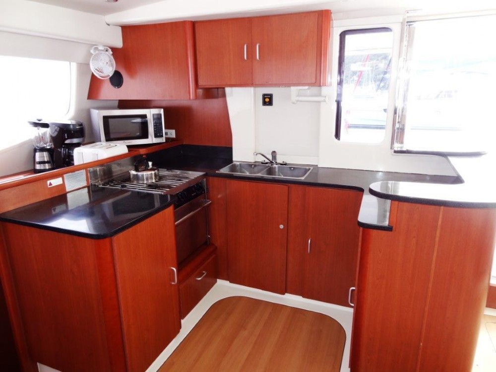 Boat rental Robertson-Caine Leopard 4700 in Tortola on Samboat