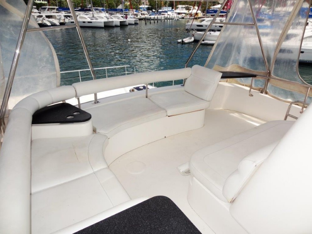 Boat rental Tortola cheap Leopard 4700