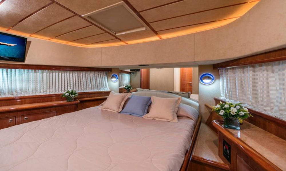 Boat rental Ferretti FERRETTI 68 in Athens on Samboat