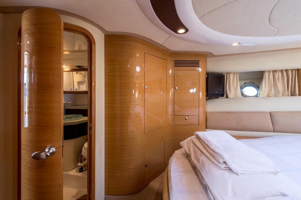 Cranchi Cranchi Atlantique 50 between personal and professional Athens