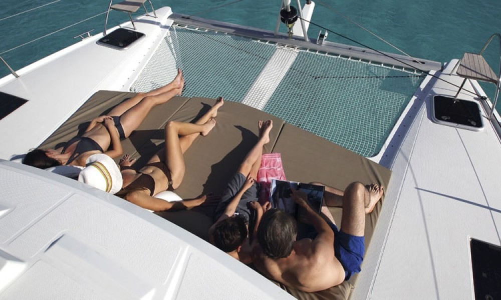 Boat rental Athens cheap Lucia 40