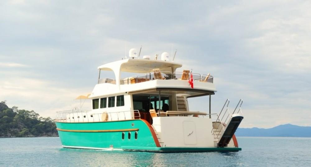 Rent a Custom Built Motor Yacht Muğla