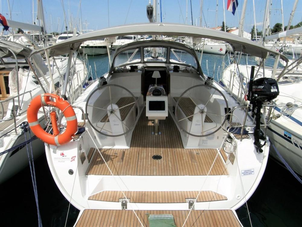 Rental yacht  - Bavaria Bavaria 41 on SamBoat