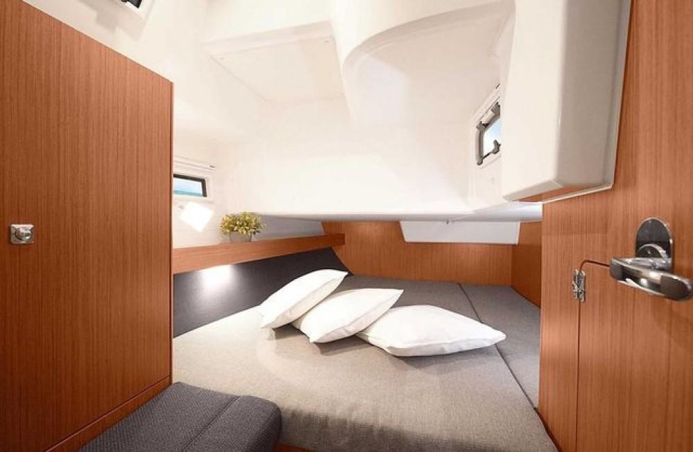 Rental yacht Aegean - Bavaria Bavaria Cruiser 41 on SamBoat