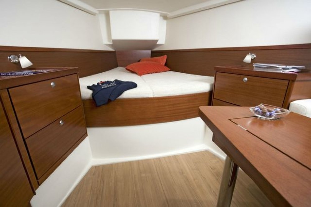 Hanse Hanse 400E between personal and professional Peloponnese, West Greece and Ionian Sea