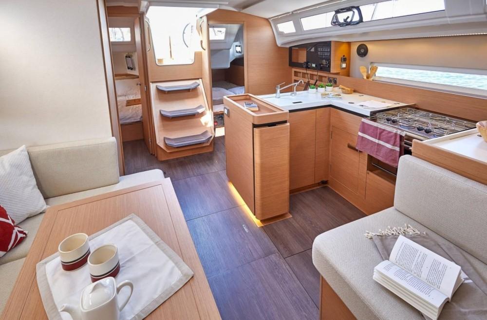 Rental Sailboat in  - Jeanneau Sun Odyssey 410