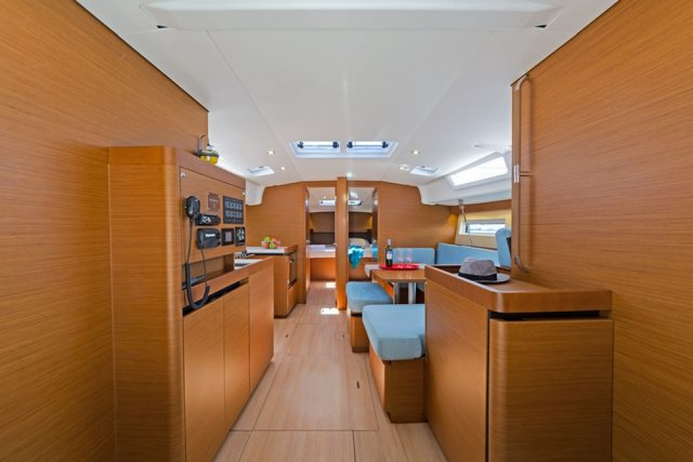 Jeanneau Sun Odyssey 490 between personal and professional