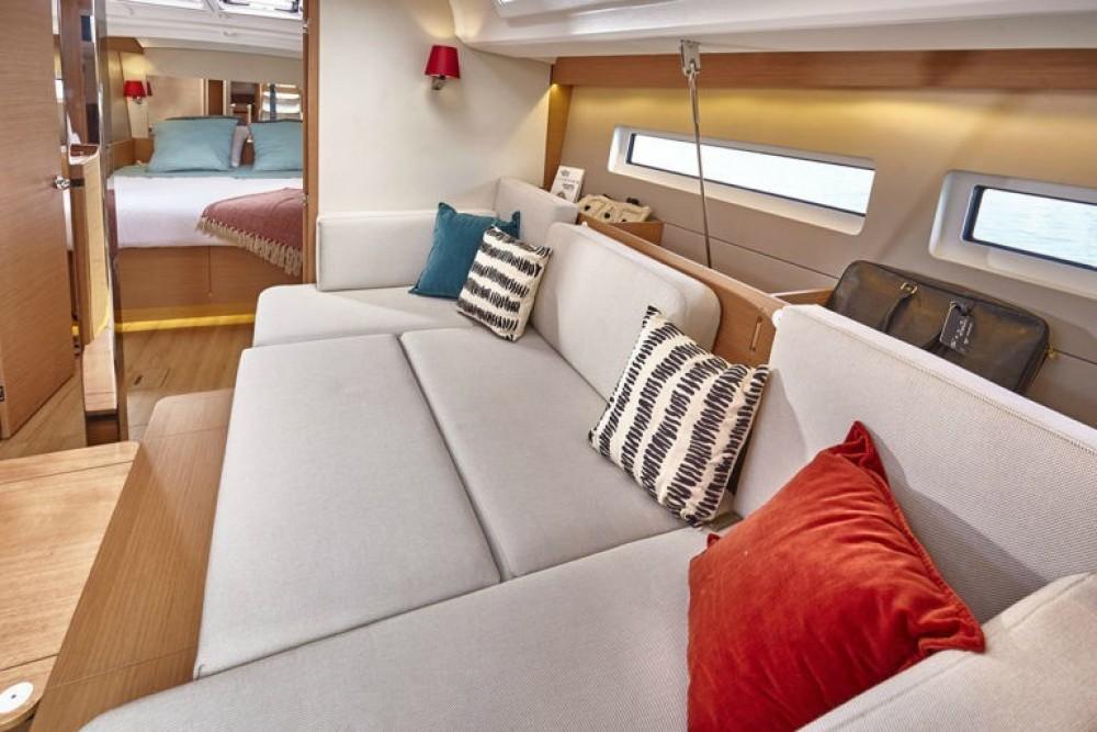 Boat rental Jeanneau Sun Odyssey 440 in Peloponnese, Western Greece and the Ionian on Samboat
