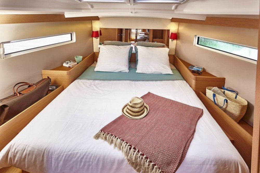 Boat rental Peloponnese, Western Greece and the Ionian cheap Sun Odyssey 440