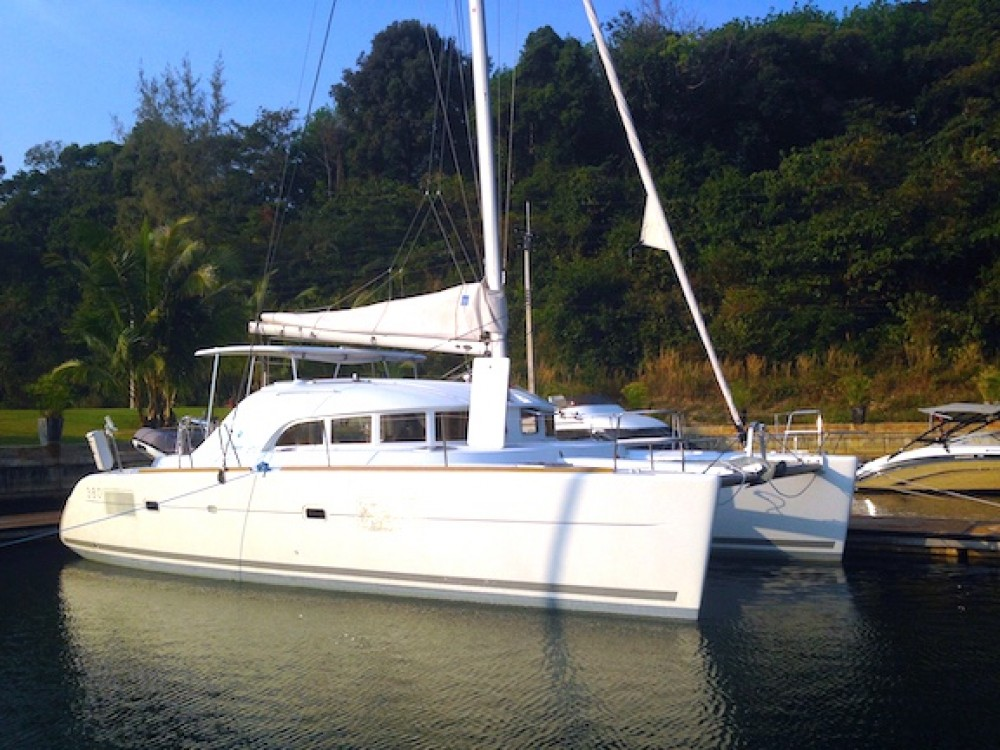 Boat rental  cheap Lagoon 380 S2