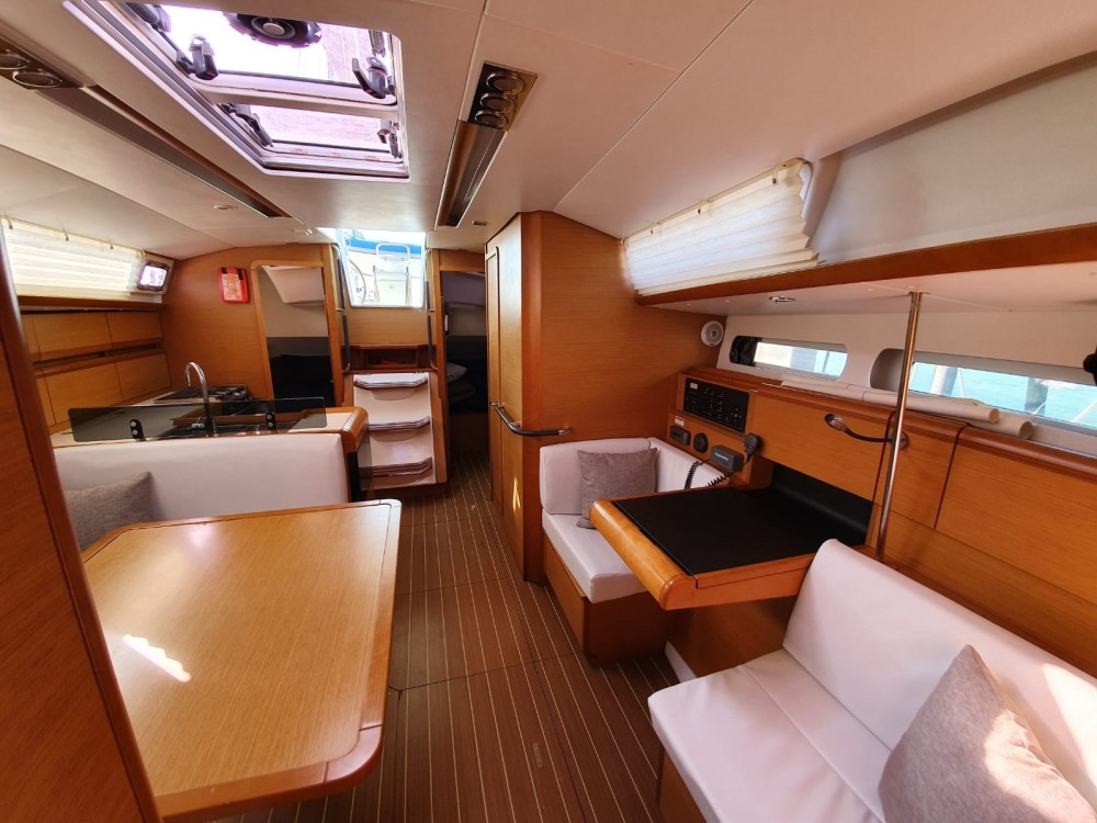 Jeanneau Sun Odyssey 409 between personal and professional Thailand