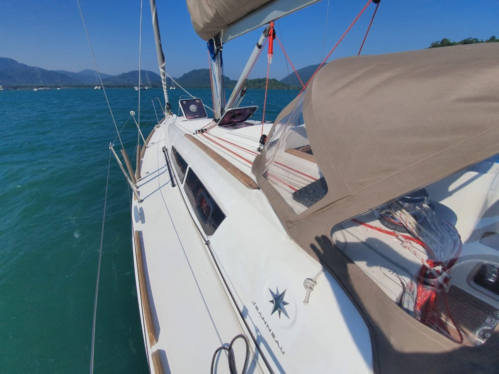 Rental Sailboat in Thailand - Jeanneau Sun Odyssey 33i