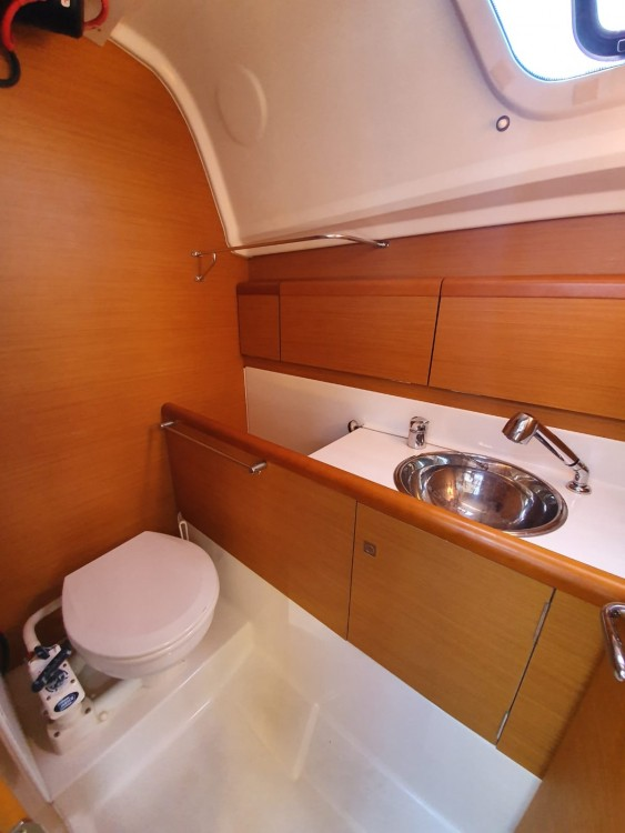 Jeanneau Sun Odyssey 33i between personal and professional Trat Province