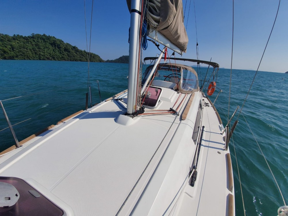 Jeanneau Sun Odyssey 33i between personal and professional Ko Samui
