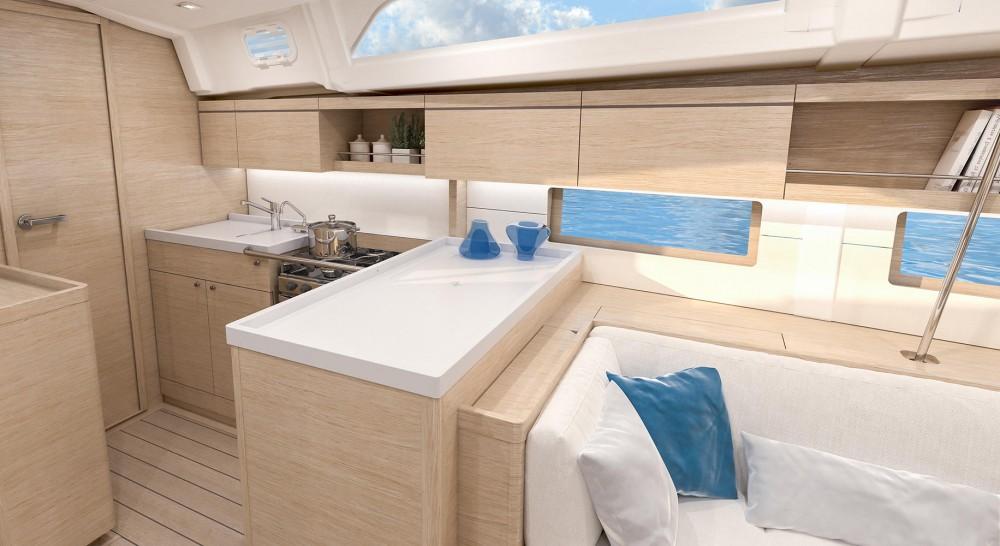 Rental Sailboat in Olbia - Bénéteau Oceanis 461