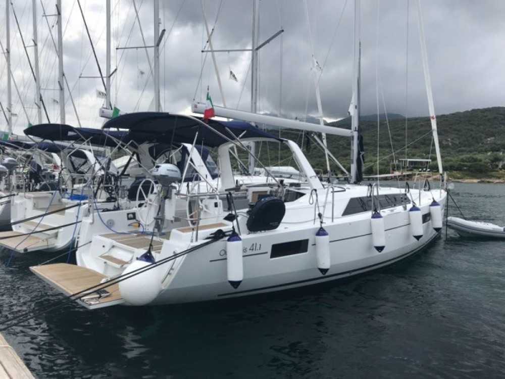 Hire Sailboat with or without skipper beneteau oceanis