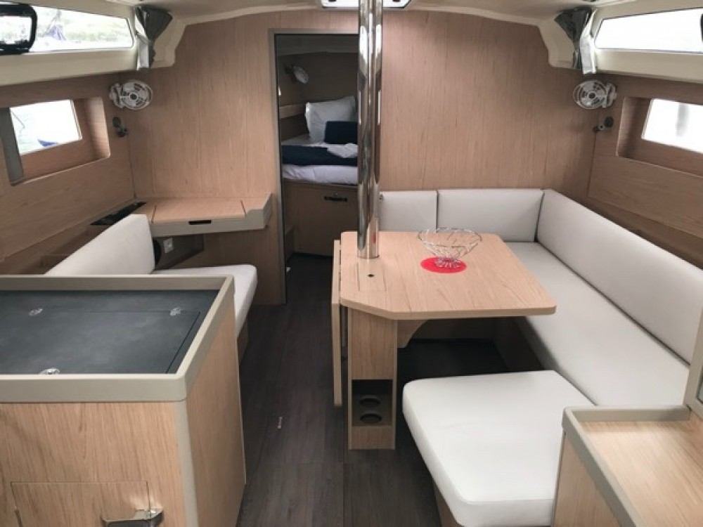Rental yacht  - beneteau oceanis  Oceanis 41.1 on SamBoat