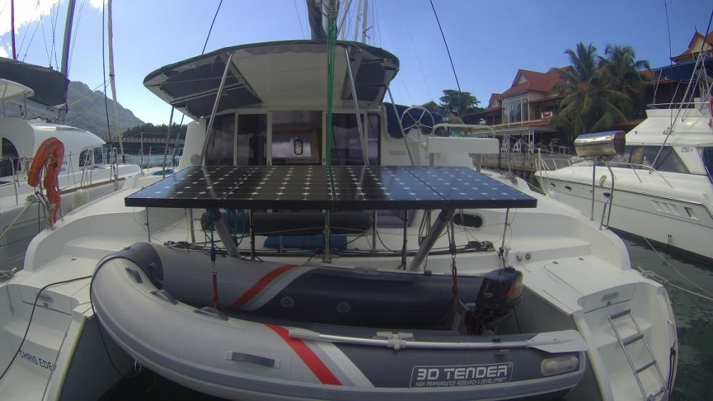 Boat rental Seychelles cheap Mahe 36 Evolution