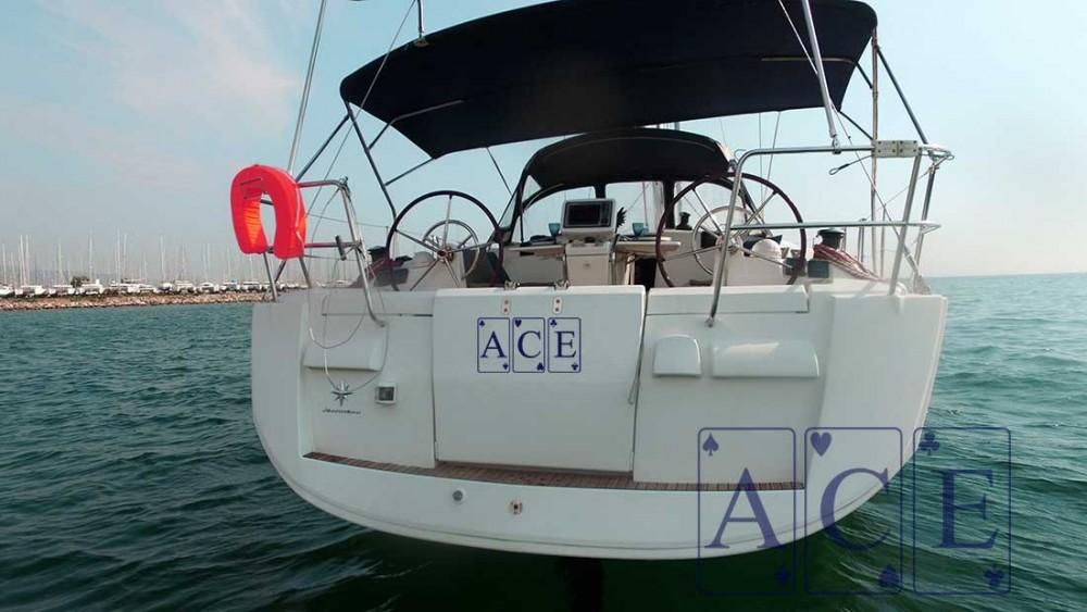 Boat rental Jeanneau Sun Odyssey 439 in Athens on Samboat