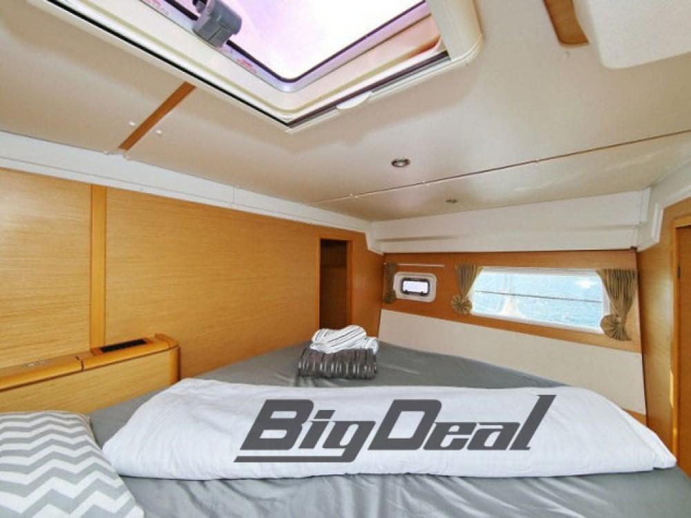 Boat rental Athènes cheap Lagoon 500