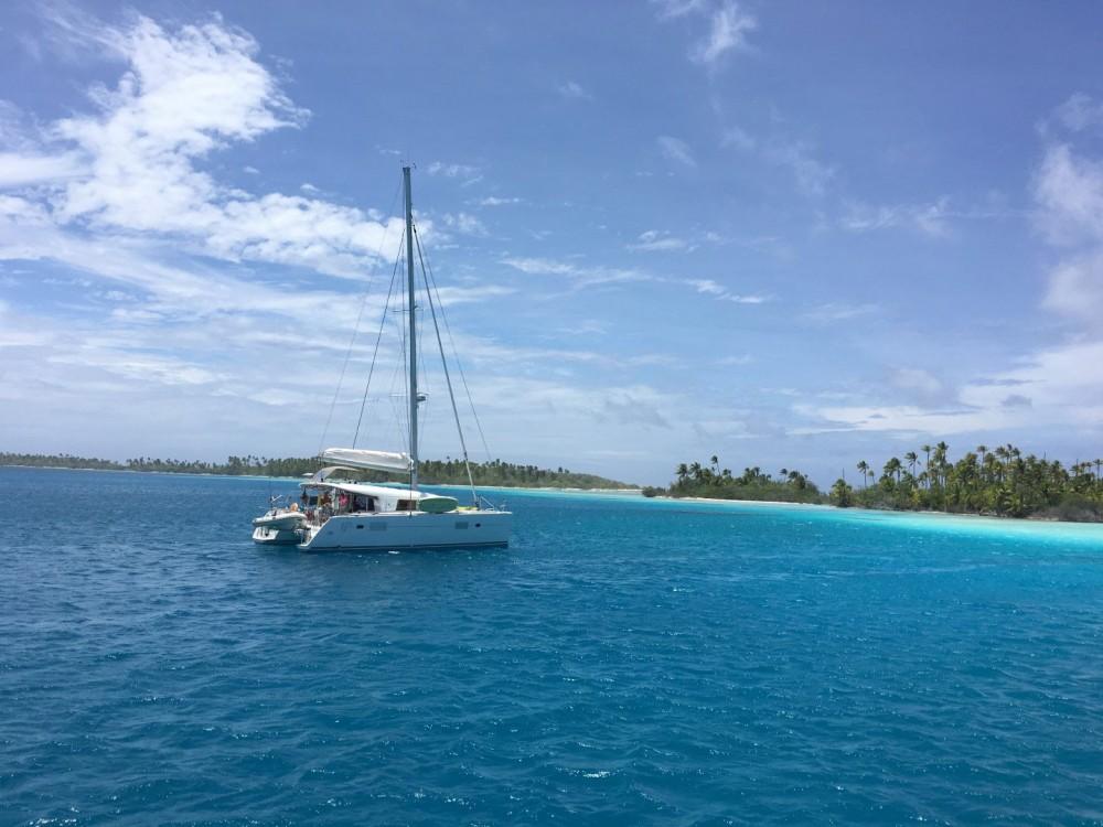 Boat rental  cheap Lagoon 400 S2