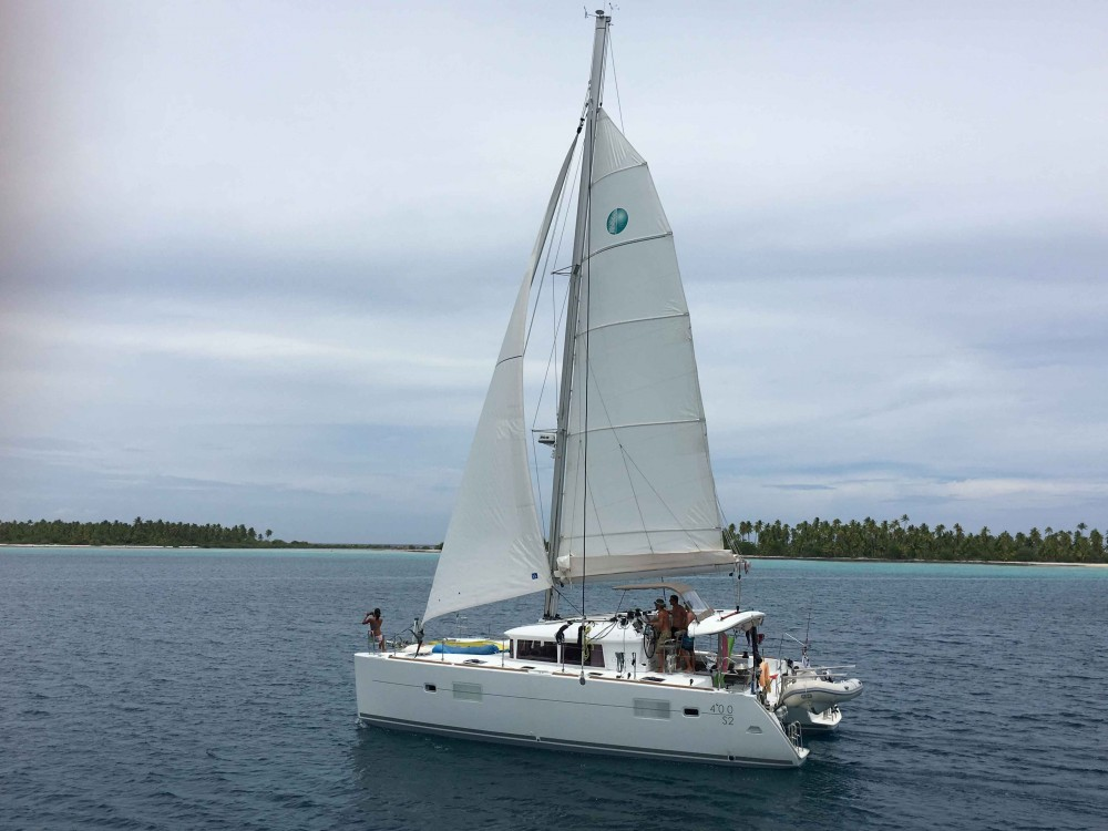 Catamaran for rent French Polynesia at the best price
