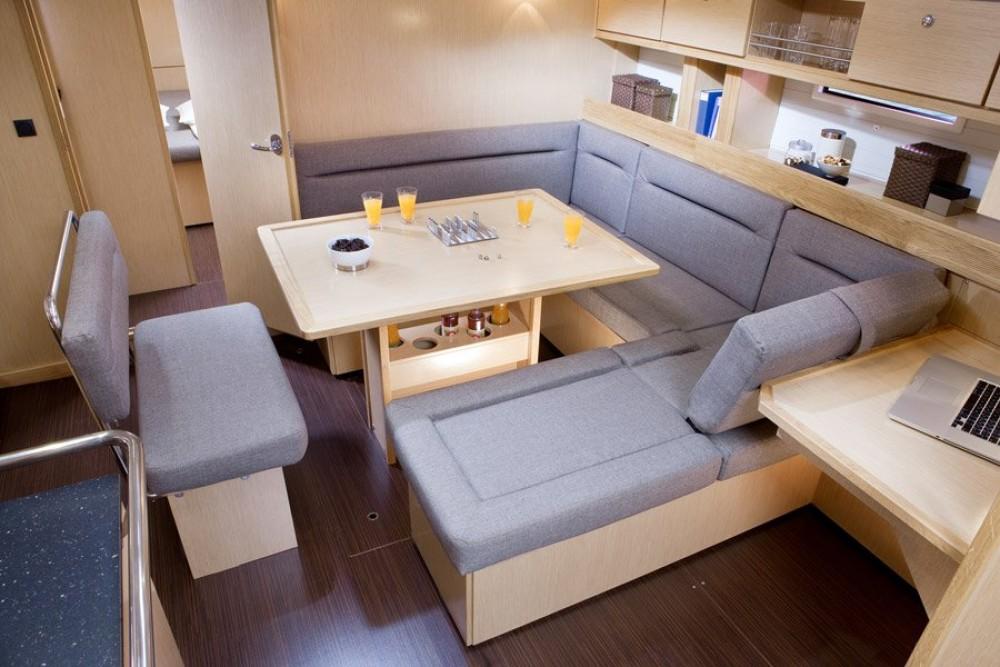 Boat rental Bavaria Bavaria Cruiser 45 in Athens on Samboat